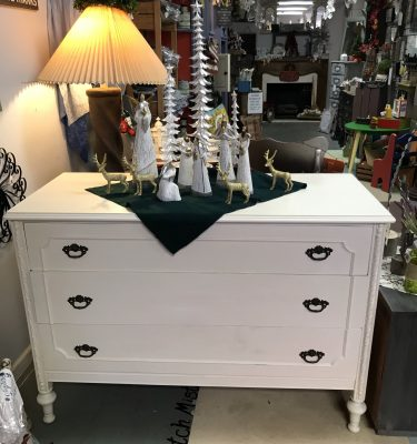 Off-White Vintage Dresser