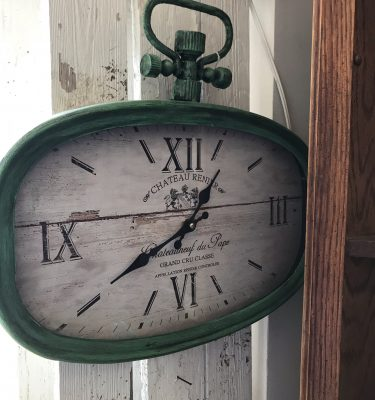 Distressed Green Wall Clock – Chateau Renier