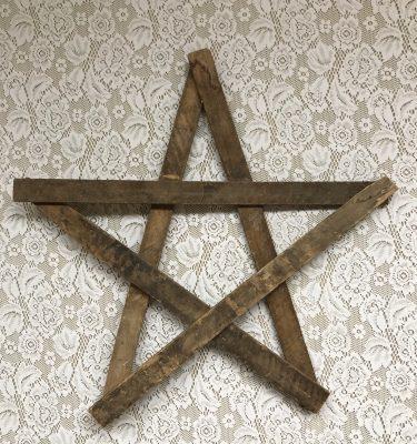 Wood Star Decor